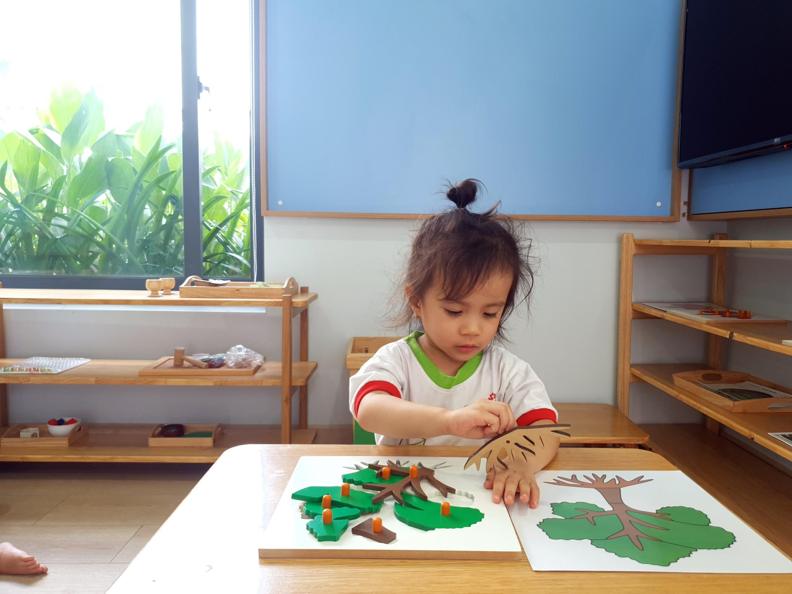 Rèn luyện tính tự lập cho trẻ bằng phương pháp giáo dục Montessori
