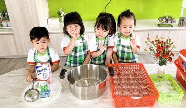 Phòng ăn VCS với khu vực bếp dành cho các bé trổ tài làm bánh, kem, nước trái cây...